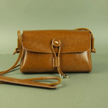 Waiola Crossbody Brown | Butterfield