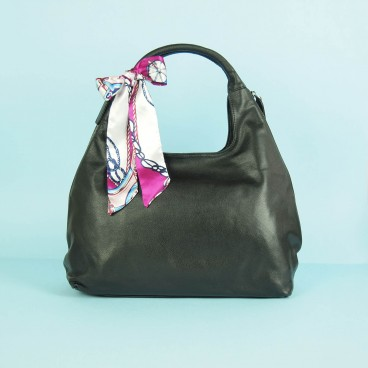 Ulla Hobo Black | Urban Forest