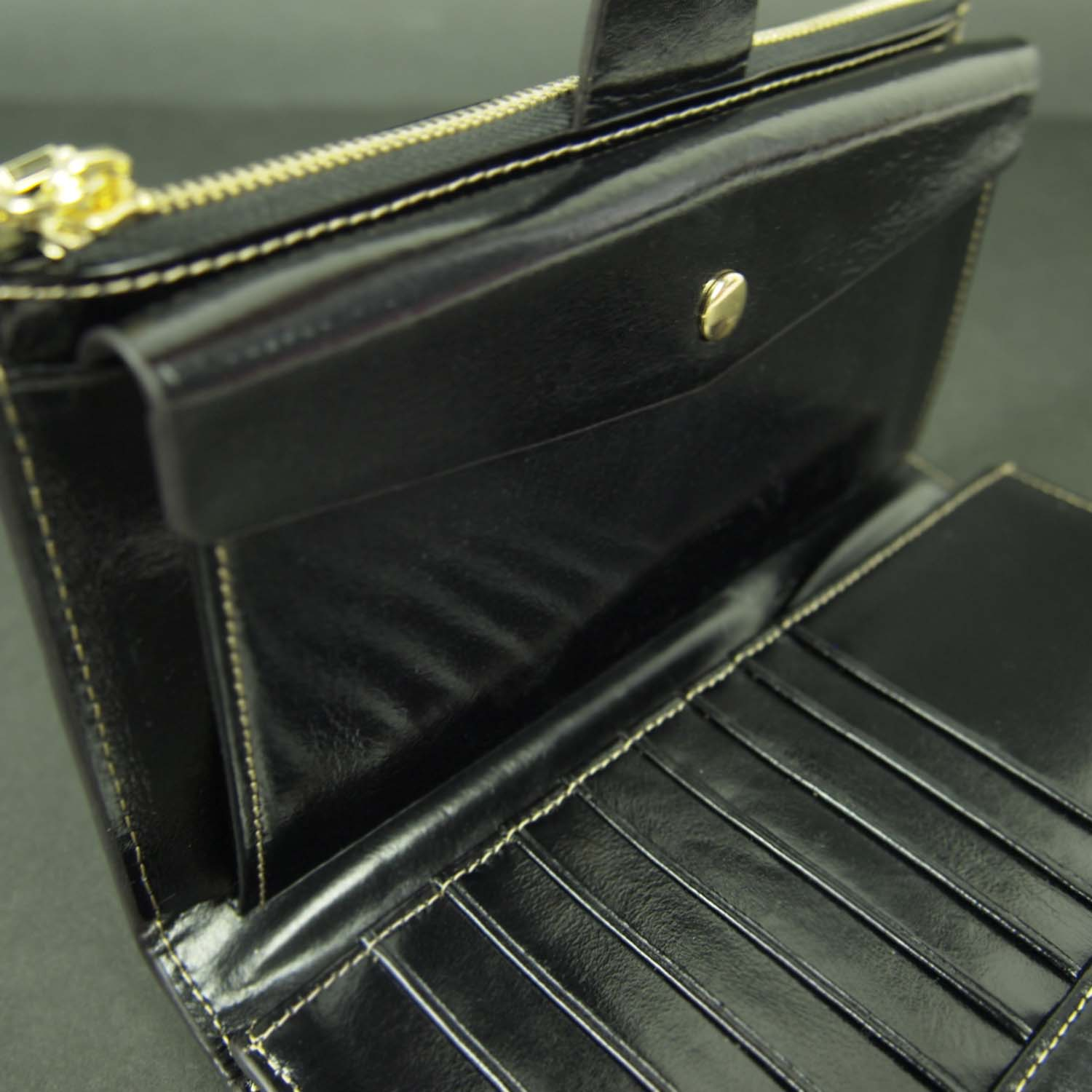 Butterfield Gussie Wallet Snap-top View