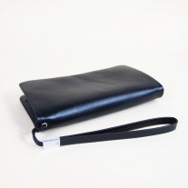Aiken Clutch Black | Butterfield